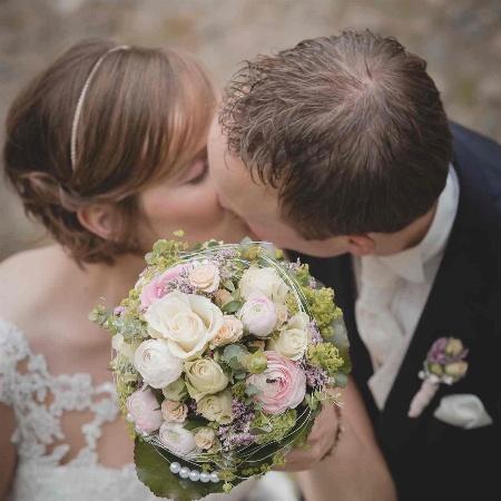 Hochzeitsdienstleistungen mit Herz