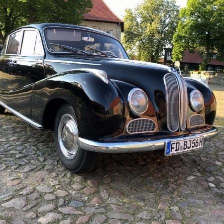 Hochzeit im BMW 501 V8
